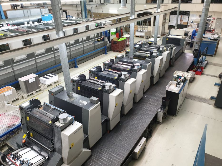 KOMORI LITHRONE sheetfed offset 5 colors and +